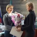 Три молодые семьи получили возможность приобрести квартиры в Корсакове