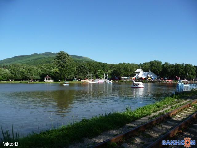 И вот дорога, привела в парк! На озере Верхнем, вот такой пейзаж! Фотограф: viktorb  Просмотров: 1195 Комментариев: 0