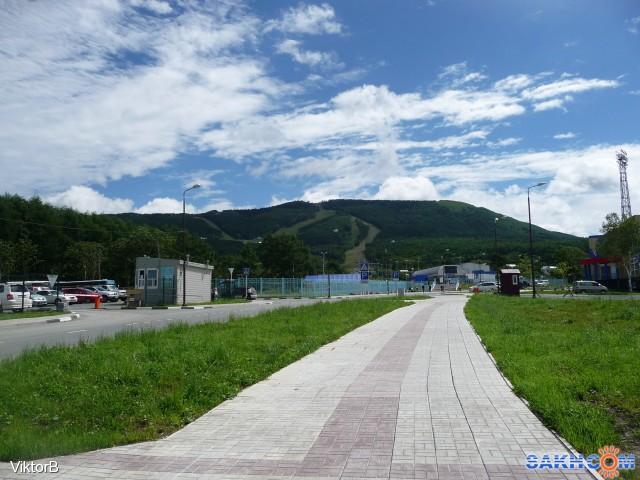 Вид на гору Большевик со станции  подъема на гору! Фотограф: viktorb  Просмотров: 1130 Комментариев: 0