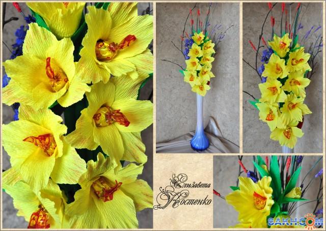 Гладиолусы цветы из гофрированной бумаги