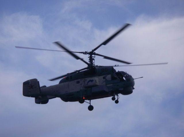 А это наш подлетел вплотную... Фотограф: orlan  Просмотров: 737 Комментариев: 0