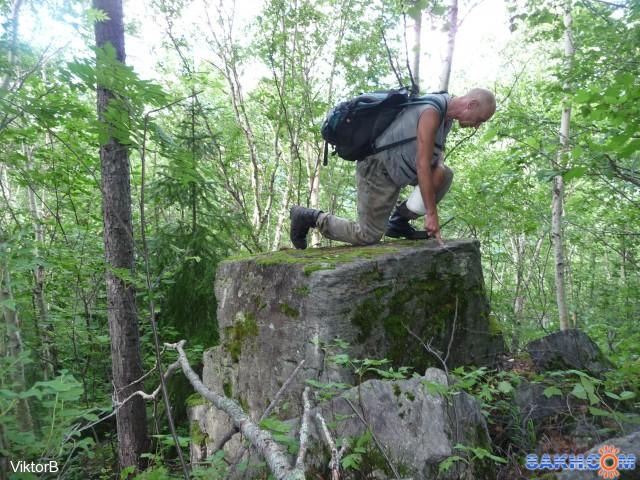 Что за треугольник, камень, на моем пути! Толи Природа, толи Люди его оставили! А место в глухом, лесу! Кто может поклонялся, когда то ему!  Фотограф: viktorb  Просмотров: 759 Комментариев: 0