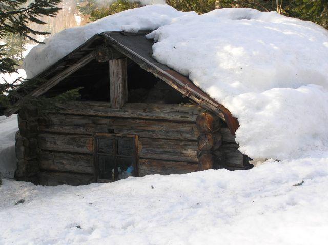 зимовье охотника.