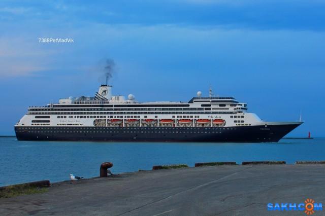 VOLENDAM.  (пассажирский лайнер, порт Отару 2016г,  ИМО 9156515) Фотограф: 7388PetVladVik  Просмотров: 3451 Комментариев: 2