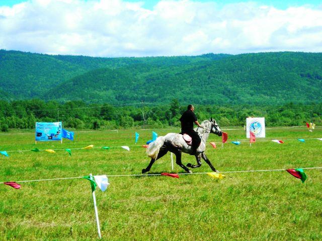 Какой красивый ход у лошади под умелым и спокойным седоком Фотограф: vikirin  Просмотров: 1156 Комментариев: 0
