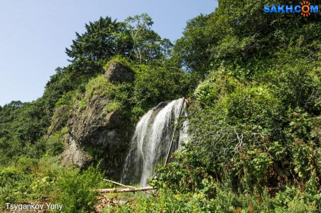 водопад на мысе Анастасии
