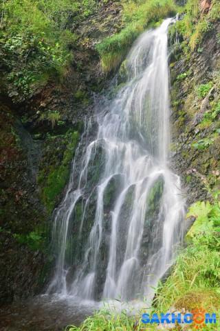 Один из водопадов между мысом Страдный и Широкий (на реке Уда)