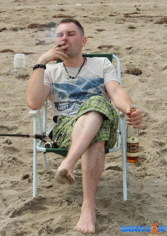 Жизнь хороша, когда пьёшь не спеша. Дима. Ну, реально же, когда никуда не торопишься, когда всё так чинно и благородно, потягиваешь коньячку и сигарой балуешься. Классно же!  Просмотров: 221 Комментариев: 0
