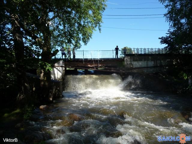 После прошедших обильных дождей, река Рогатка и озеро Верхнее, полноводны уже не первый день! Фотограф: viktorb  Просмотров: 780 Комментариев: 0