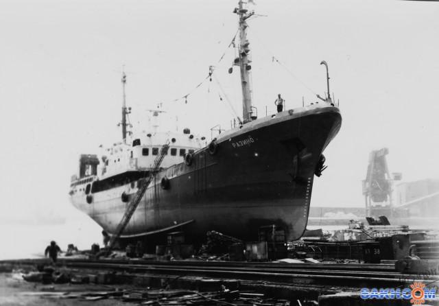РАЗИНО.   Фотограф: 7388PetVladVik СРТМ  Разино, порт Пусан, 1990 год  Просмотров: 4608 Комментариев: 0