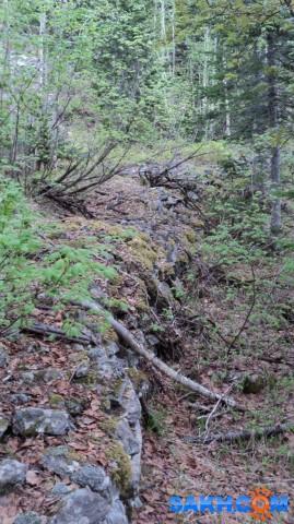 Фото 26 Камни, уложенные в основание железнодорожного полотна (район реки Пилевка)  Просмотров: 1168 Комментариев: 0