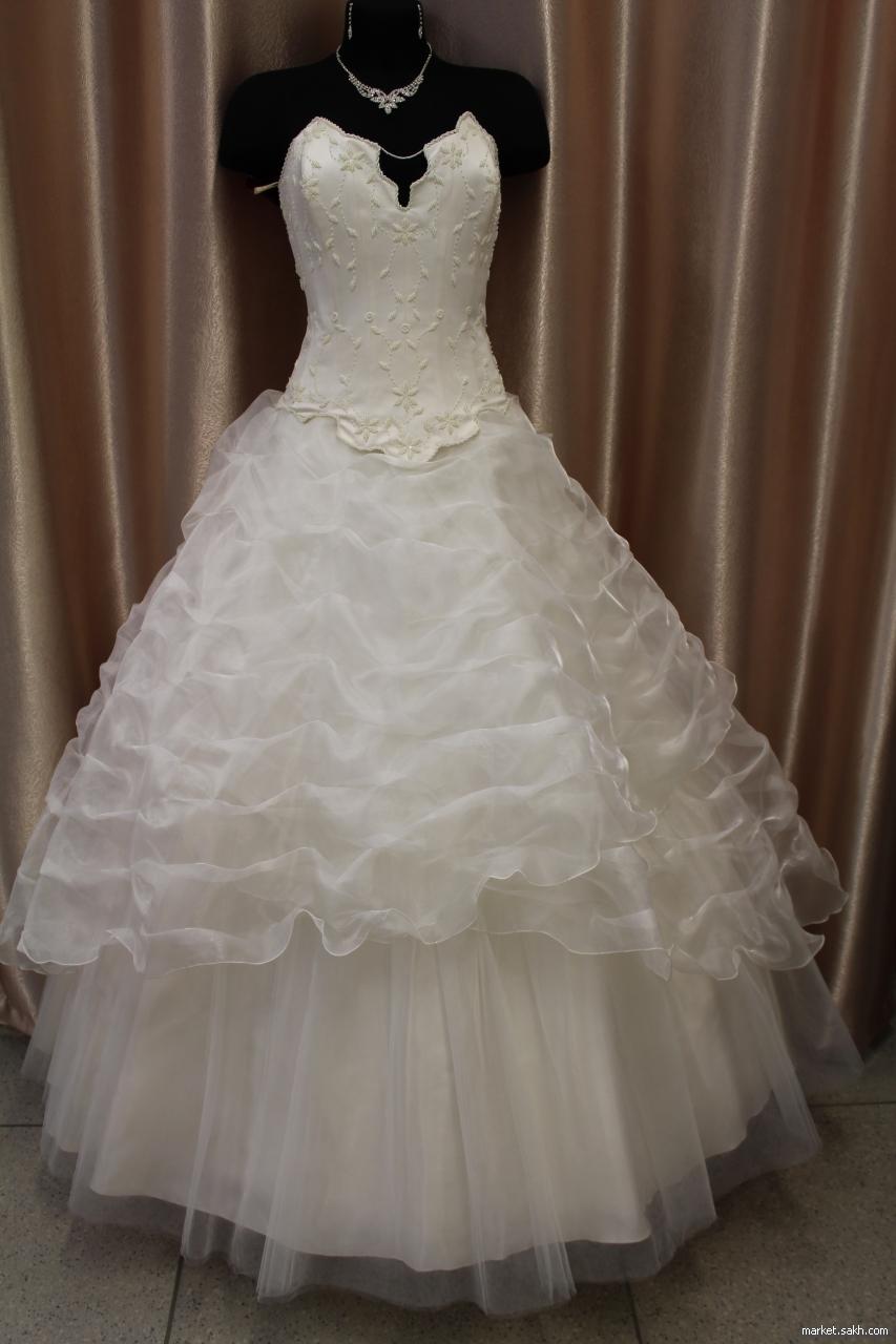 Свадебное платье, заниженный