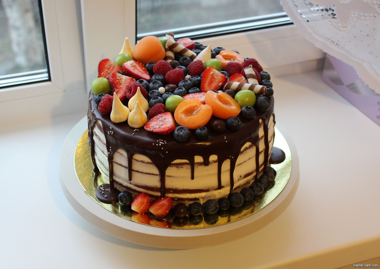Украшение торта фруктами и ягодами в домашних  718