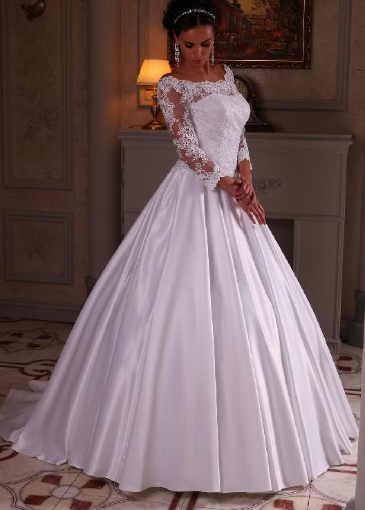 Свадебные платье с гипюром