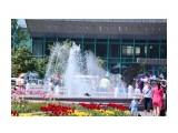 У городского фонтана Фотограф: vikirin  Просмотров: 2117 Комментариев: 0