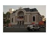 Что-то музыкальное Помпезное здание является каким-то культурно-музыкальным учреждением! Консерватория или опера...  Просмотров: 1019 Комментариев: