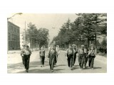 1962 год, июль. Поход на гору Августиновича Начало похода, идем по Коммунистическому проспекту, все бодры и веселы...так было.  Просмотров: 226 Комментариев: 0