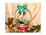 новогодний подарок Фотограф: Алина Бойко подарок в корзине на любой праздник. состав подарка по вашему желанию  Просмотров: 998 Комментариев: 0