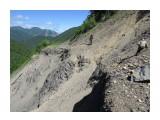 Раньше это была лесовозная дорога Осыпь сразу за перевалом  Просмотров: 499 Комментариев: