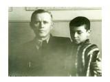 Название: Южно-Сахалинск, март 1957 года. Фотоальбом: XX ВЕК в лицах сахалинцев Категория: История Описание: Отец и сын...  Просмотров: 778 Комментариев: 0