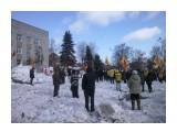 Митинг Фотограф: gadzila 01.04.2012 г.   На кучах снега - как на барикадах  Просмотров: 1254 Комментариев: 0