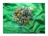Астра на зеленом Астра из 100% шелка на застежке для одежды  Просмотров: 1001 Комментариев: