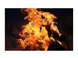 Огонь жаркого костра в заснеженной тайге.. Сумерки.. Фотограф: vikirin  Просмотров: 3086 Комментариев: 0
