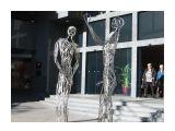 Две фигуры в центре Сиднея.  Просмотров: 1623 Комментариев: