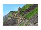 Интересные высотки.. камны-останцы как шлемы.. Фотограф: vikirin  Просмотров: 1500 Комментариев: 0