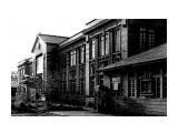 Город которого нет... Южно-Сахалинск, ДОСА, 1960 год.Время постройки 1925 год. Здание гимназии для мальчиков г. Тоёхары. Здесь пел Муслим Магомаев в далёком 1965 году...  Просмотров: 53 Комментариев: