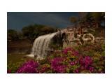 Парк В парке на вершине горы между двумя озерцами симпатишный искусственный водопад, под которым можно пройти!  Просмотров: 1045 Комментариев: