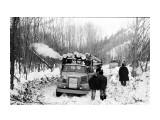 Название: Вывозка леса по зимнику Фотоальбом: Сахалин прошлое Категория: Разное  Время съемки/редактирования:                     Фотокамера: NORITSU KOKI - QSS-32_33   Описание: Углегорский р-н  Просмотров: 7578 Комментариев: 2