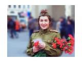 Портрет девушки с гвоздиками  Просмотров: 126 Комментариев: