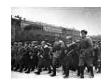 Парад 7 ноября 1941 года на Красной площади фрагмент фото. Они победили фашизм!  Просмотров: 1217 Комментариев: 0