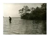 Курилы. о. Кунашир. озеро Лагунное.Лето 1963 года. Выбор удачного кадра...  Просмотров: 105 Комментариев: 0