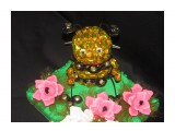пчелка около 95 конфет Эклер 30 конфет Марсианка  возможно изготовление на заказ. Фантазия и возможности альбомом не ограничены :))  Просмотров: 1119 Комментариев: 0